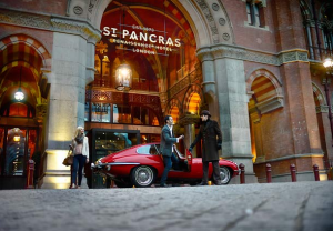 St._Pancras_Renaissance_London_Hotel_entrance